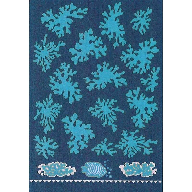 Toalla para playa o piscina de color azul con corales azul celeste