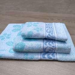 Juego de toallas sobrepuestas