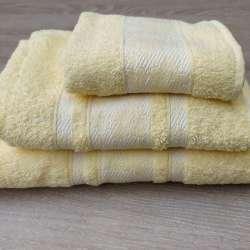 Juego de toallas superpuestas de las tres medidas